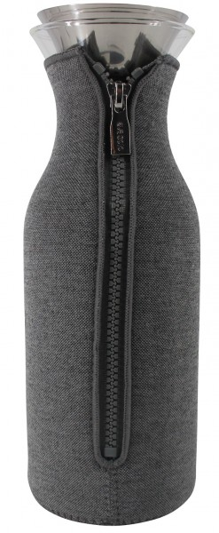 Eva Solo Kühlschrankkaraffe 1.0 Liter mit Anzug dunkelgrau